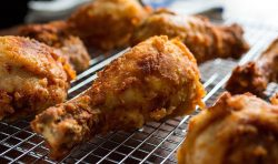 fried-chicken-cooking-885